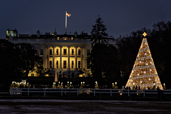 White House with National Christmas Tree